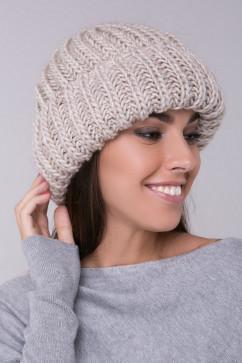 Зимняя шапка в стиле ретро Sewel BW459